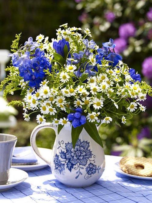 Hoa lụa, hoa giả Uyên shop, Nhà xinh yêu ngỡ ngàng nhờ sắc hoa xanh