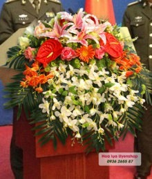 Hoa lụa, hoa giả Uyên shop, Bục phát biểu lớn