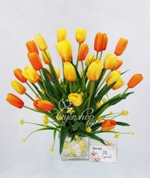 Hoa lụa, hoa giả Uyên shop, Bình hoa Tulip thủy tinh