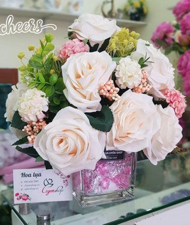Hoa lụa, hoa giả Uyên shop, Lọ hoa hồng xinh