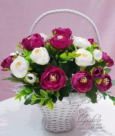 Hoa lụa, hoa giả Uyên shop, Giỏ Hoa Trà Trắng Tím