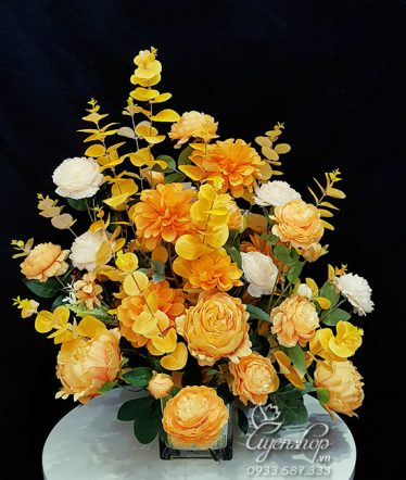 Hoa lụa, hoa giả Uyên shop, Hoa Để Bàn Rực Rỡ