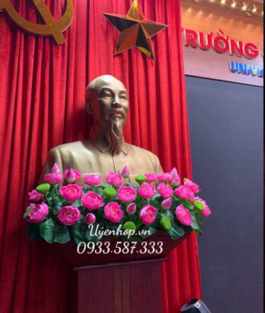 Hoa lụa, hoa giả Uyên shop, Hoa Sen Trang Trí Bục Tượng Bác