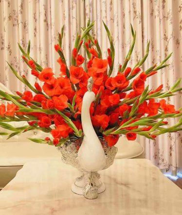 Hoa lụa, hoa giả Uyên shop, Chim Công cắm hoa – đựng hoa quả